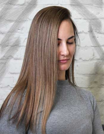 Окрашивание волос в салоне от мастера Кристины в технике AirTouch